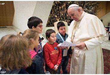 Poziv na smotru župnih dječjih zborova i doček Betlehemskog svjetla