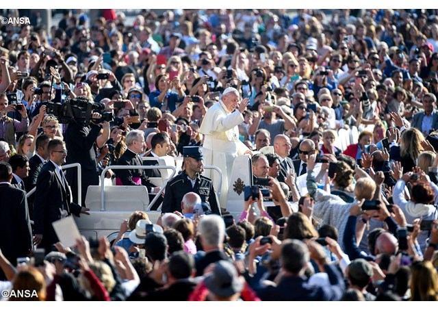 4. listopada 2017. - Najava predsinodskog sastanka XV. redovite Biskupske sinode Papina kateheza na općoj audijenciji u srijedu