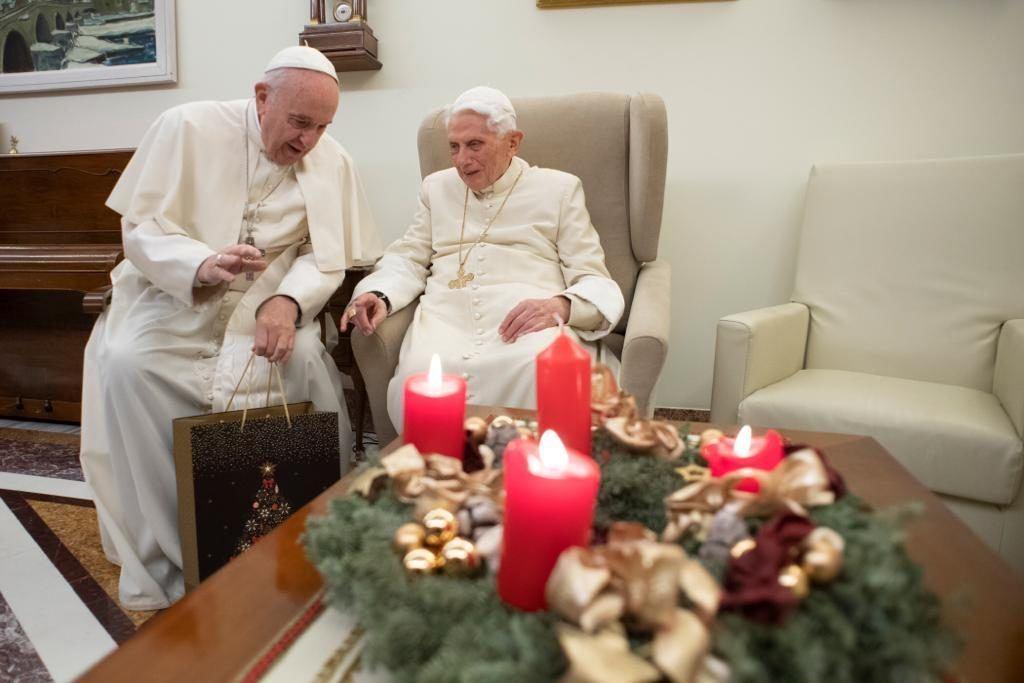 26. prosinca 2018. - Papa Franjo predvodio molitvu Angelusa s hodočasnicima okupljenima na Trgu Sv. Petra u Vatikanu.