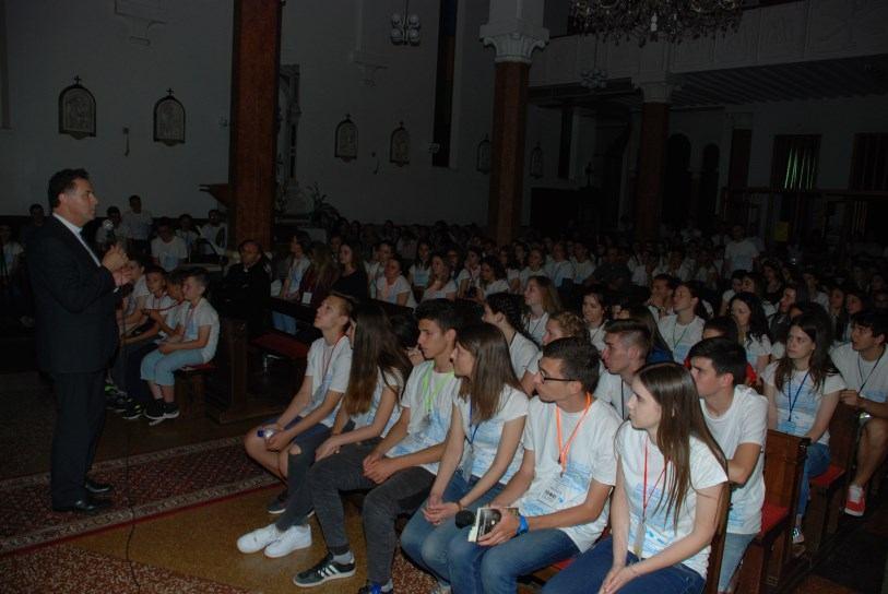 25. svibnja 2018. - Klanjanje mladih pred POS