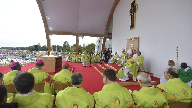 """27. kolovoza 2018. Vatikan - Papa Franjo: """"Uočio sam mnogo vjere u Irskoj""""."""