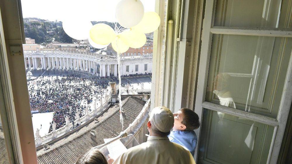 3. veljače 2019. - Papin nagovor prije i nakon molitve Anđeo Gospodnji u nedjelju