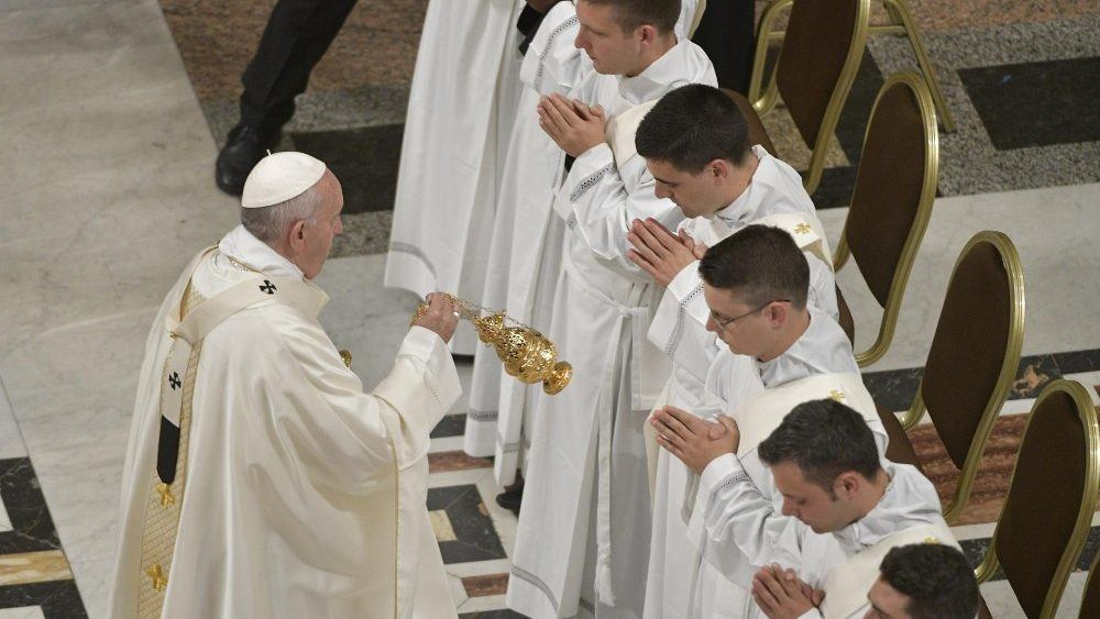 12. svibnja 2019. - Papin nagovor uz molitvu Kraljice neba u nedjelju