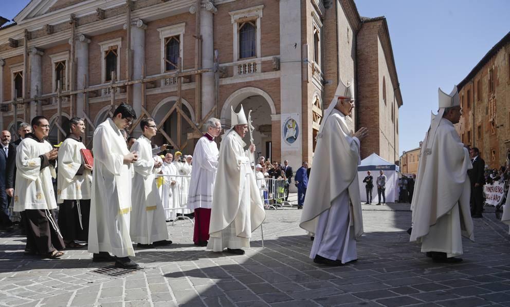 16. lipnja 2019. - Papa posjetio potresom pogođeni Camerino