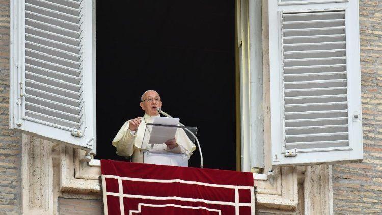 7. srpnja 2019. - Papin nagovor prije i nakon molitve Anđeo Gospodnji u nedjelju
