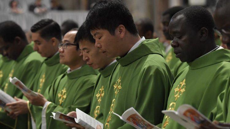 20. listopada 2019. - Papin nagovor prije i nakon molitve Anđeo Gospodnji u nedjelju