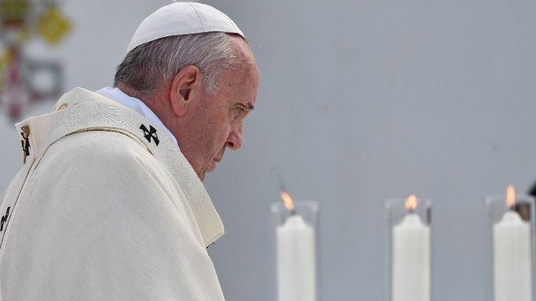24. studenoga 2019. - Papa u Nagasakiju