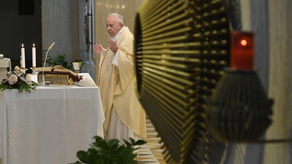 15. svibnja 2020. - Međunarodni dan obitelji. Papa molio za 'temeljnu stanicu društva'