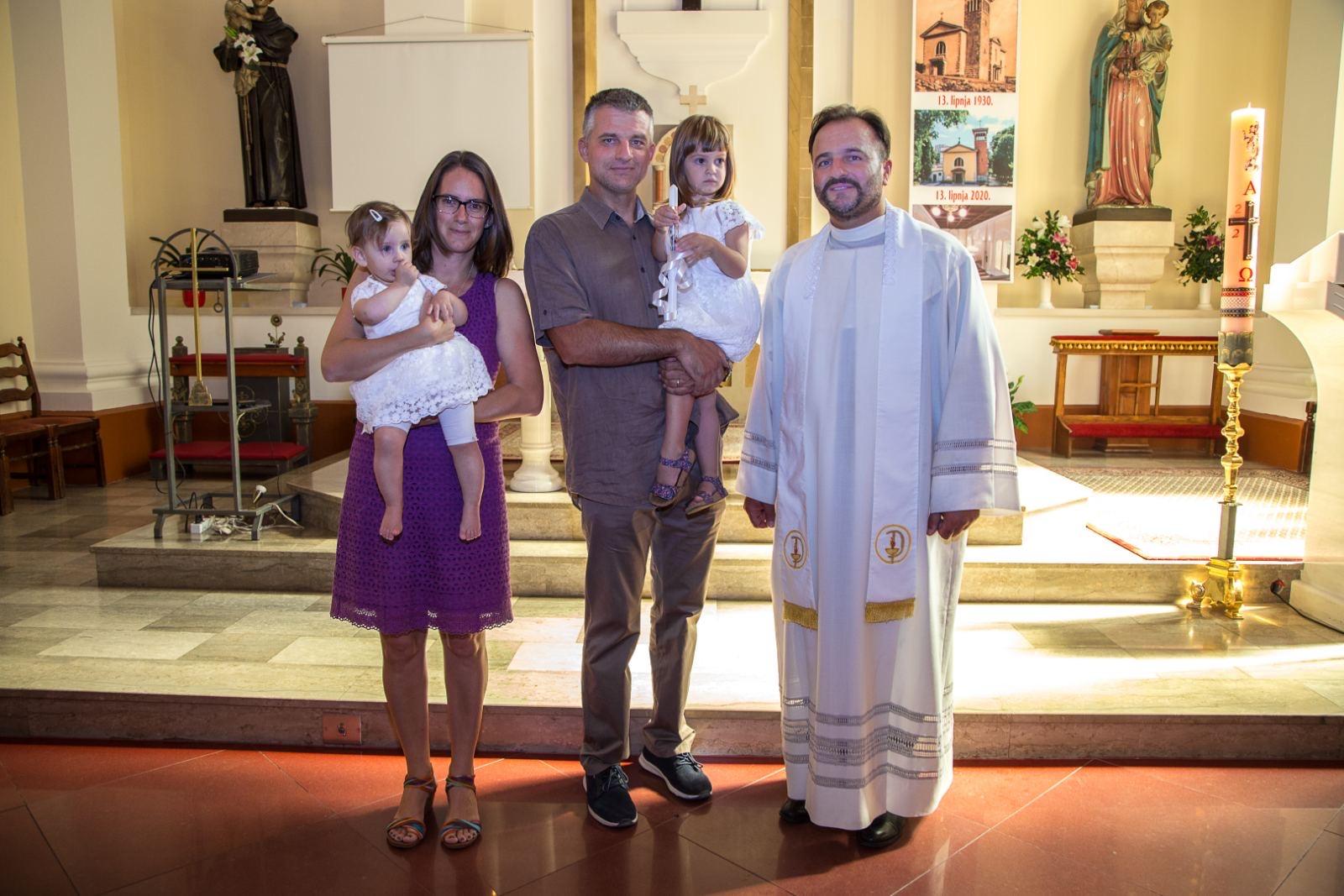 13. rujna 2020. - Sakrament Krštenja Anje Katarine i Lee Tereze
