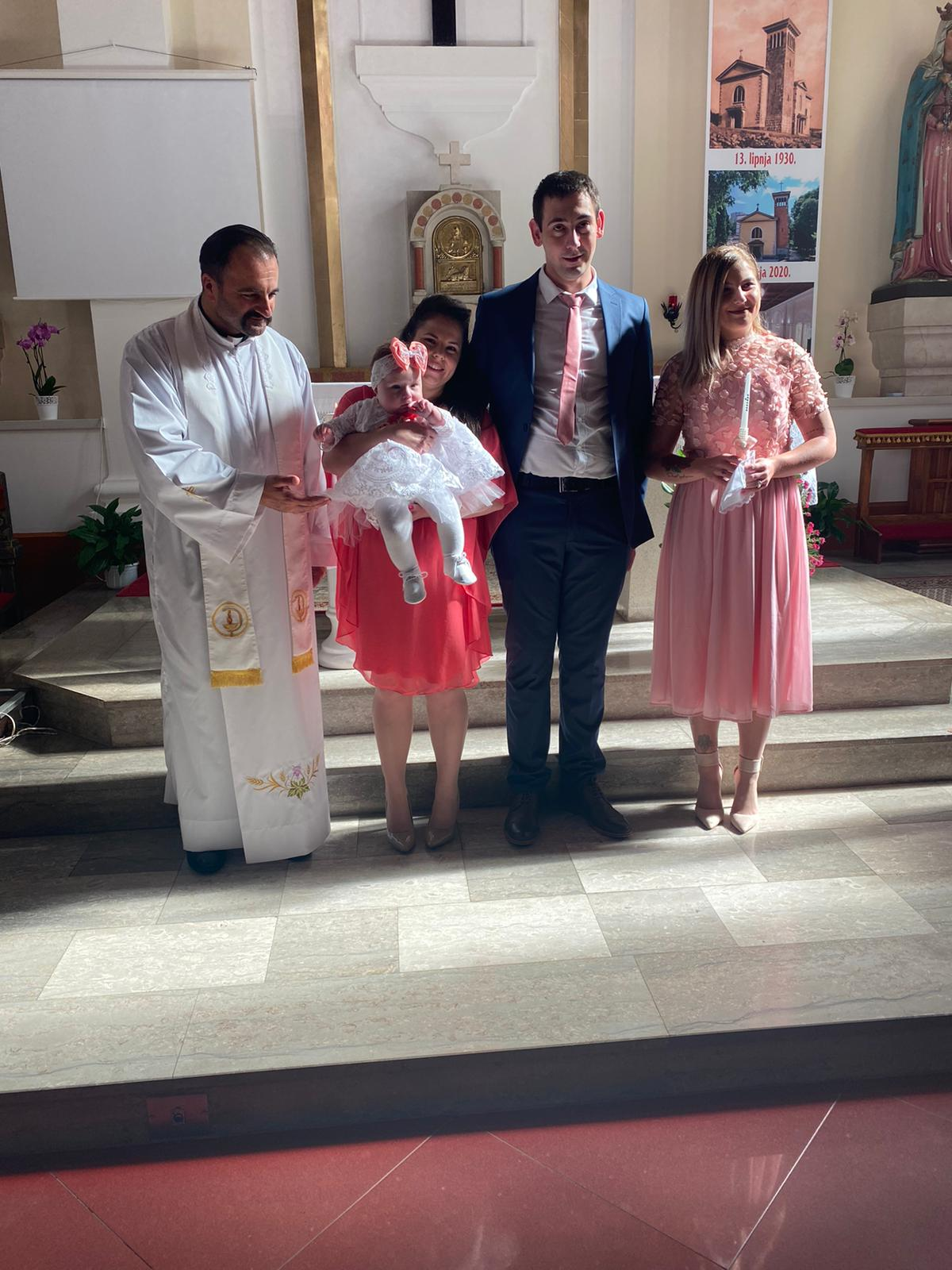 04. listopada 2020. - Krštenje Elene Barić