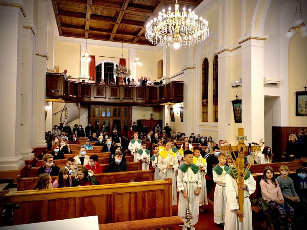 Svečani obred primanja novih ministranata