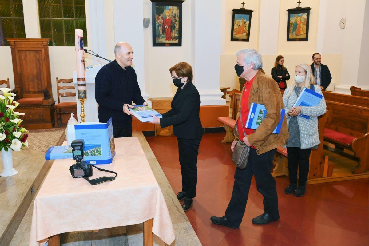 Predstavljena Monografija kronike crkve i župe sv. Antuna na Kantridi