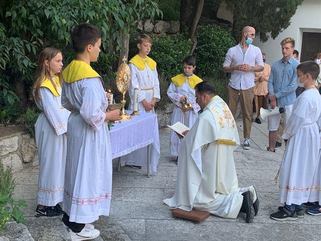 Svečano proslavljen blagdan Tijelova