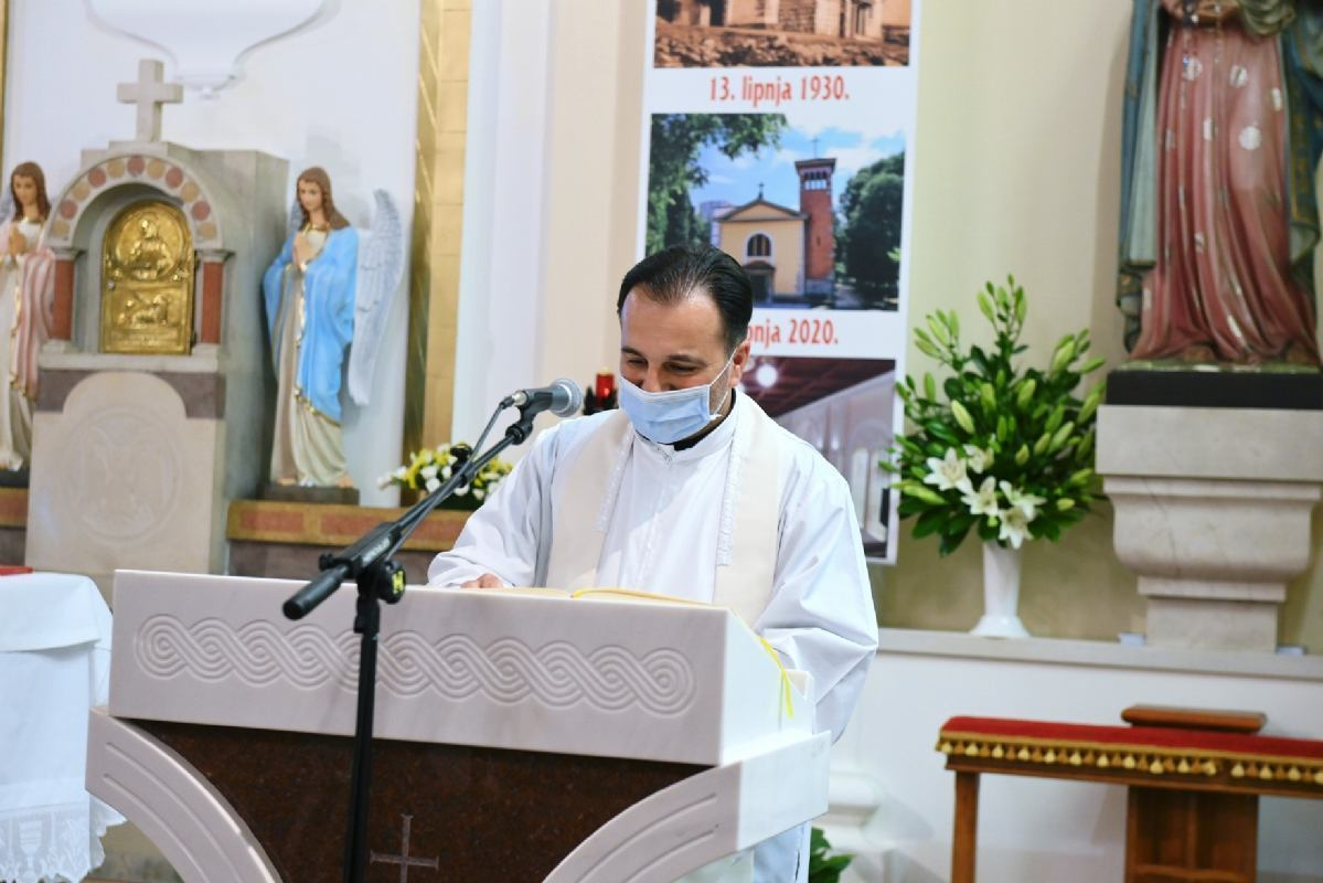 Svečano proslavljen sakrament sv. krizme u župi sv. Antuna Padovanskog