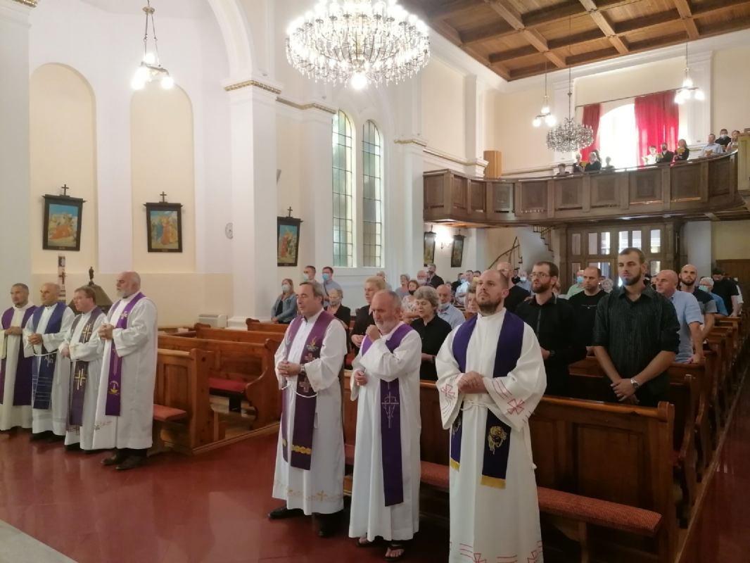 Posljednji oproštaj i sv. misa zadušnica za dragog župljanina Marčela Šujevića