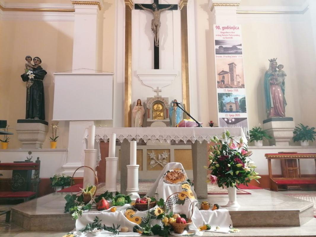 Svečanom euharistijom i blagoslovom obilježeni Dani kruha i zahvalnosti za plodove zemlje